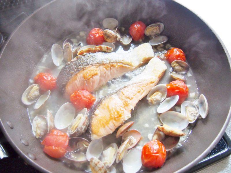 鮭のアクアパッツァ風③