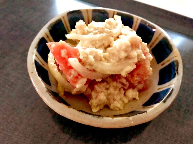 トマトと玉ねぎのごま白和え