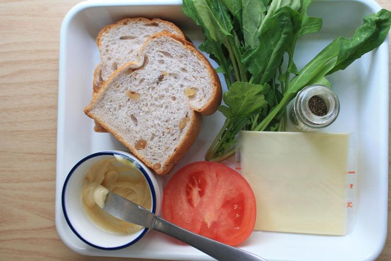 ルッコラとチーズのサンドイッチ-材料