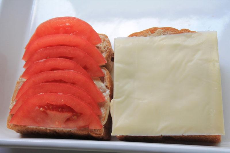 ルッコラとチーズのサンドイッチ④