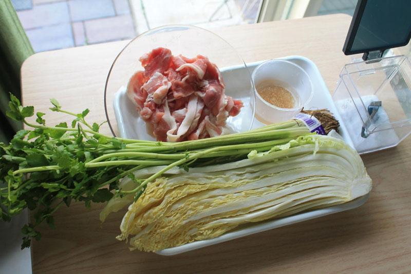 白菜と豚肉のレンジ蒸し-材料
