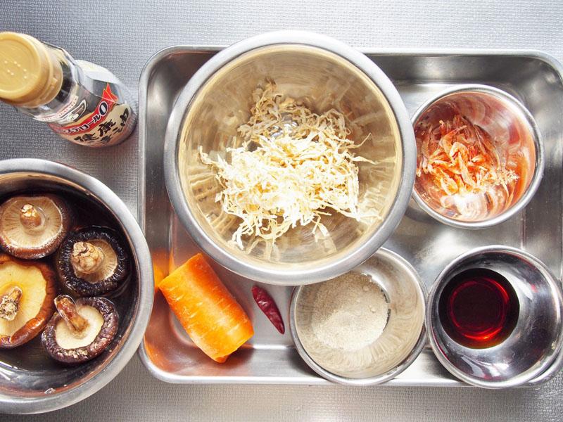 切り干し大根と干し椎茸の炒め煮-材料