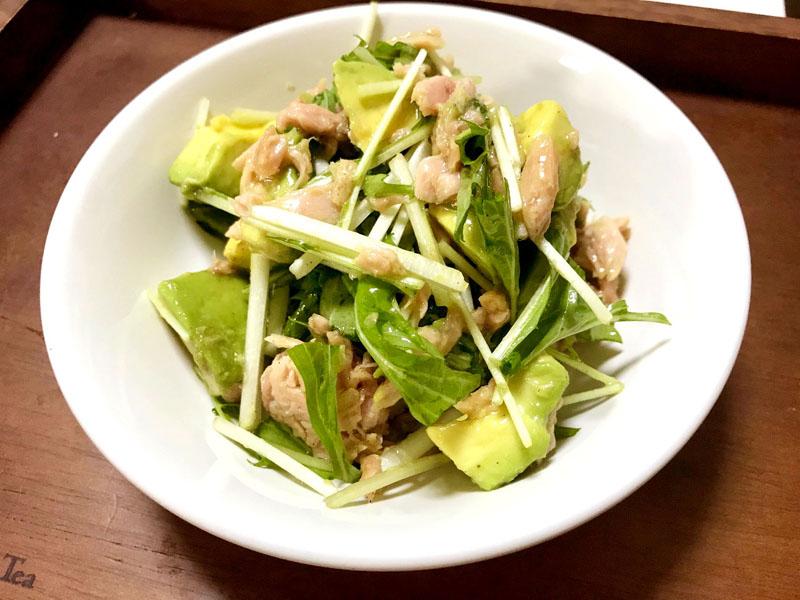 水菜とアボカドのレモン風味サラダ